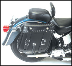 Grand Canyon Quick Detachable US Made Leather Saddlebag on a Harley-Davidson Fat Boy